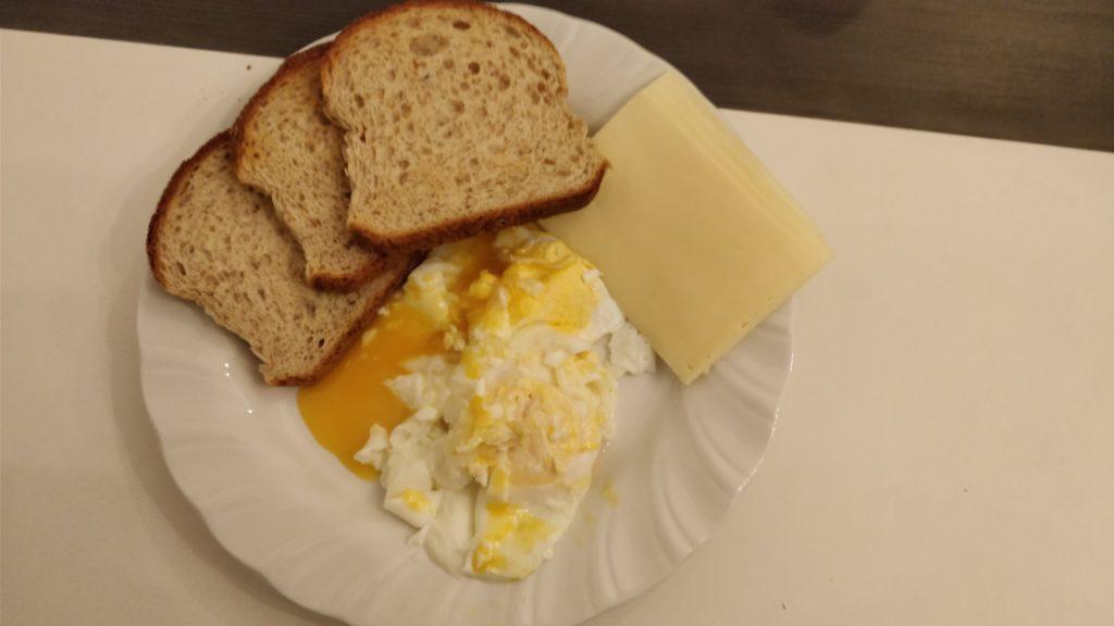 Munad, juust ja täistera röst